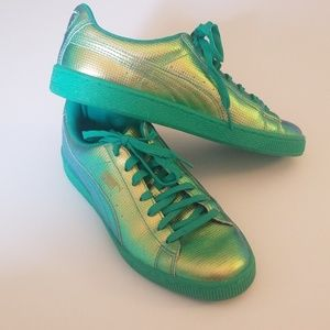 Puma Iridescent Green Sneakers